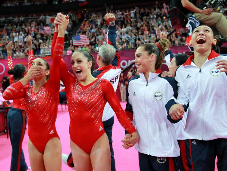 gymnastics-teamwork