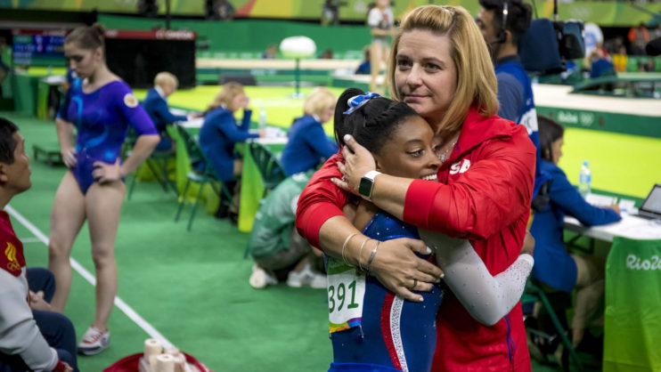 simone-biles-and-coach-aimee-boorman